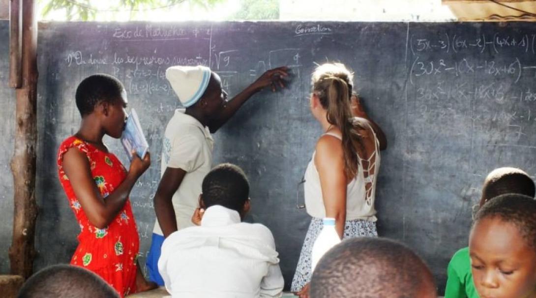 Animer des ateliers pédagogiques pour des groupes d'enfants des rues